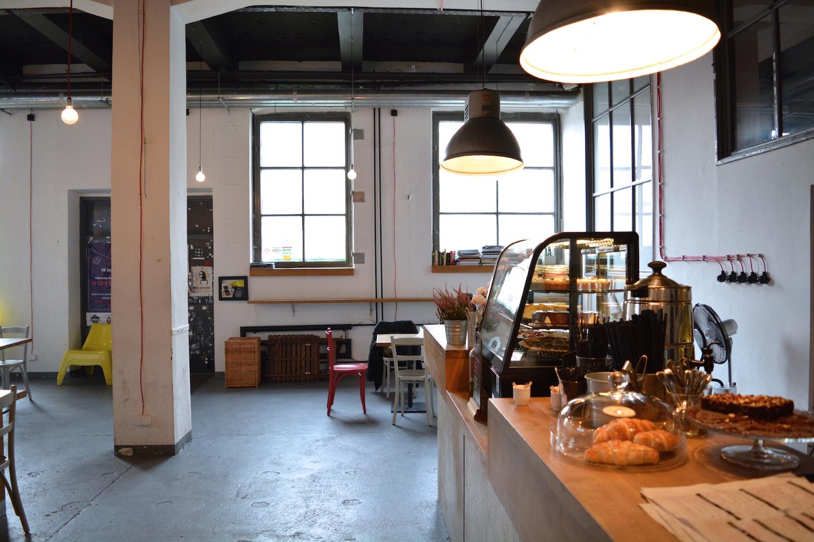 5 najlepszych miejsc na śniadanie w krakowie, gdzie jeść w krakowie, śniadanie kraków, bal, zabłocie