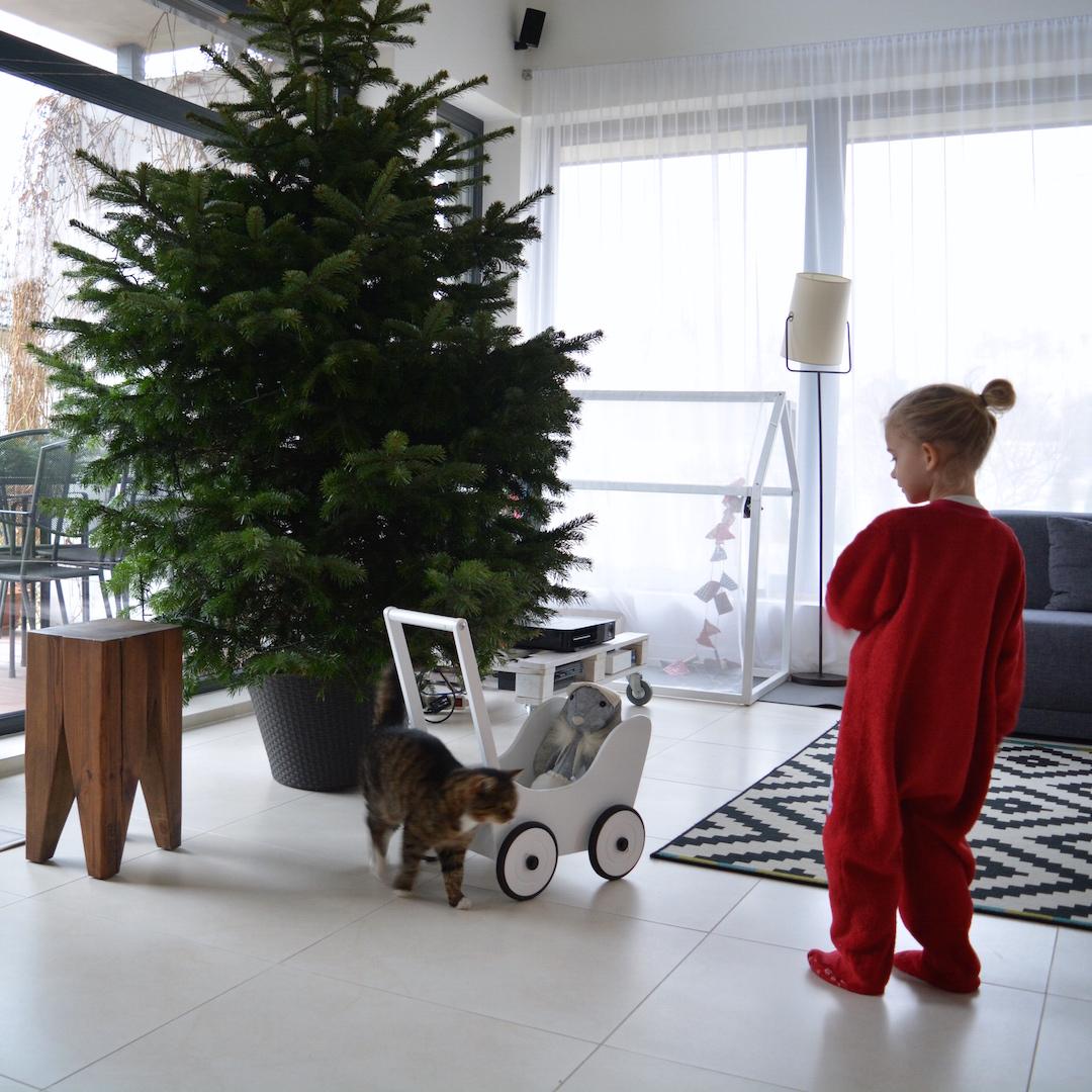 hygge, czas w domu , zachwyty grudnia, zabawa z dzieckiem w domu, święta w domu