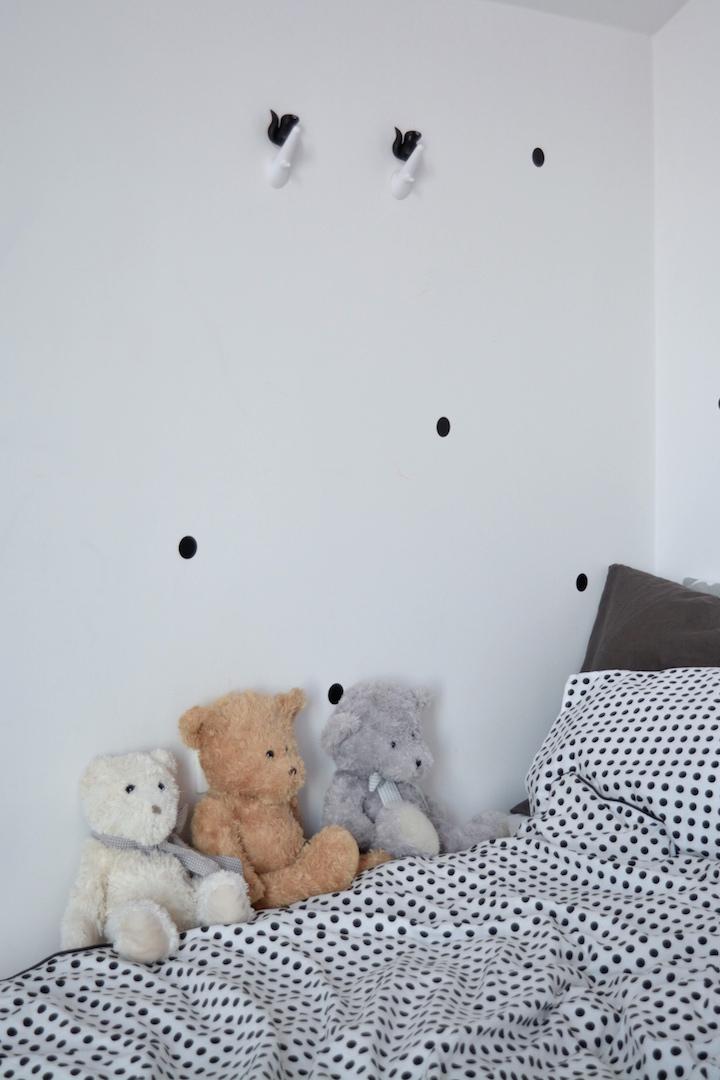 pokój dziewczynki, pokój przedszkolaka, komoda kółko krzyżyk, pokój dziecka, pokój w stylu skandynawskim, meble dla dzieci, meble ze sklejki