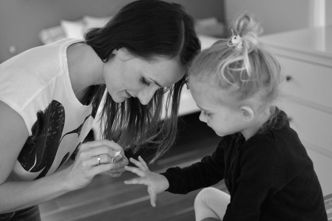 mama & córka, co robić w domu z córką, długi weekend, zabawa, miłość