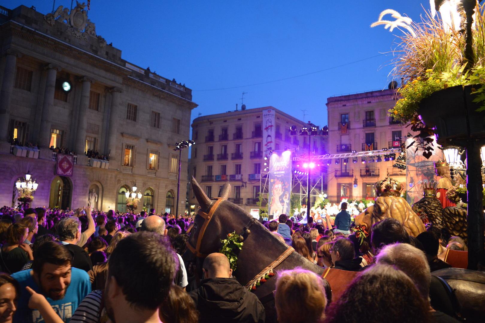 Barcelona la merce, Katalonia, festiwal zakończenia lata, festiwal la merce, Hiszpania, urlop, urlop w Hiszpani, urlop w Barcelonie,