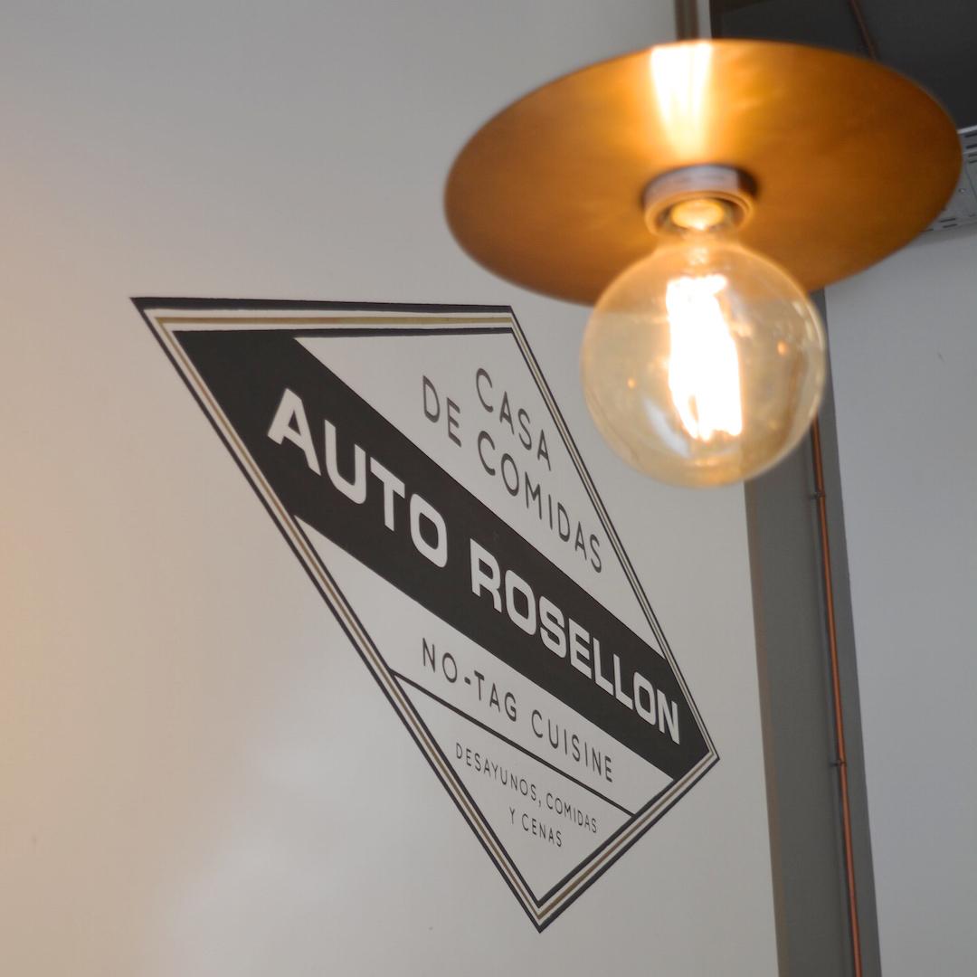 bistro auto rosellon w barcelonie , restauracja, wnętrze, loft , gdzie jeść barcelona